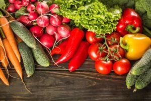 Na správně vyuzené zelenině si můžete skutečně pochutnat.