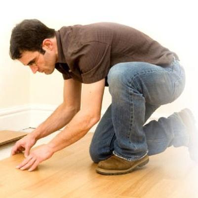 Co je dobré vědět o pokládání plovoucí podlahy a kdy je lepší vsadit na odborníky?